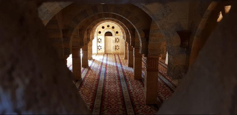 Мечеть Мустафа всередині
