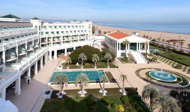 Готель Las Arenas Balneario Resort