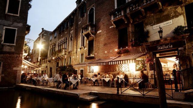 Говорячи на венетском, місцеві жителі мають ексклюзивний доступ в особливий світ, недоступний для туристів